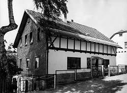Hermann Spielwaren Birth House