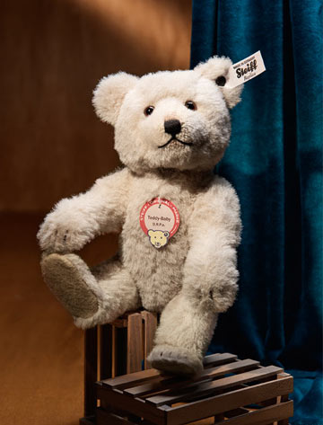 New 2016 Steiff Teddy bear